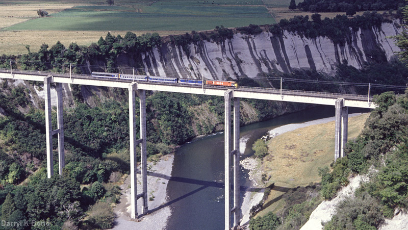 NIMTR, South-Rangatiki-Viaduct, photo: Darryl K. Bond