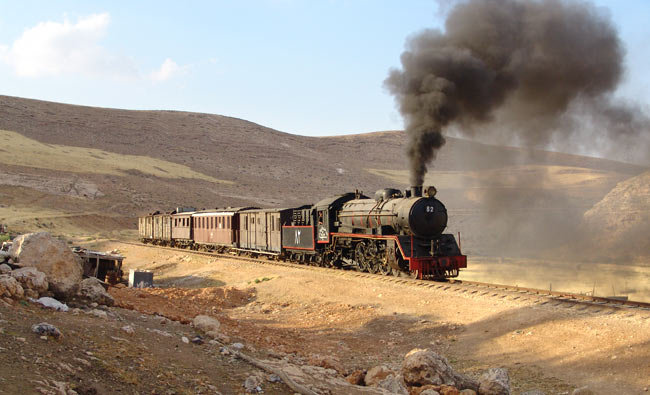 Pacific no. 82 before Amman, photo: Alfons Stettner
